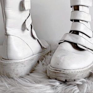 Moon Boots / Size 9